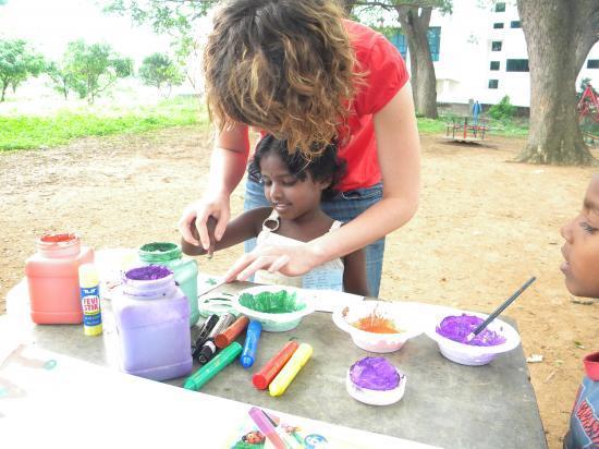 hand painting à la cr^che de Bangalore